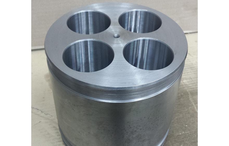 Bat cilindra - CNC obdelava - Robotehnika d.o.o. - Konstruiranje strojev in naprav