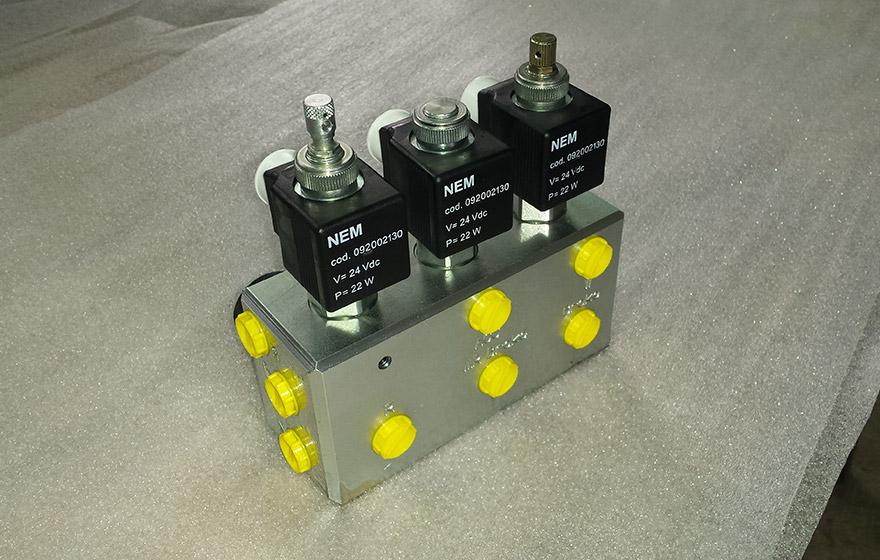 Namenski blok - Hidravlika - Robotehnika d.o.o. - Konstruiranje strojev in naprav