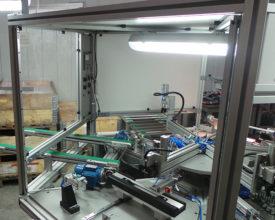 Stroj za sestavo ročajev - Avtomatizacija - Robotehnika - Konstruiranje strojev in naprav